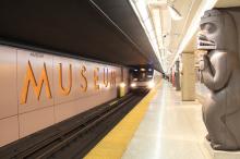 toronto-subway-font-at-museum-station