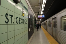 toronto-subway-font-at-st-george-station